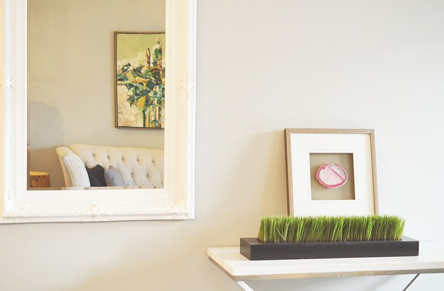 Home staging with mirrors